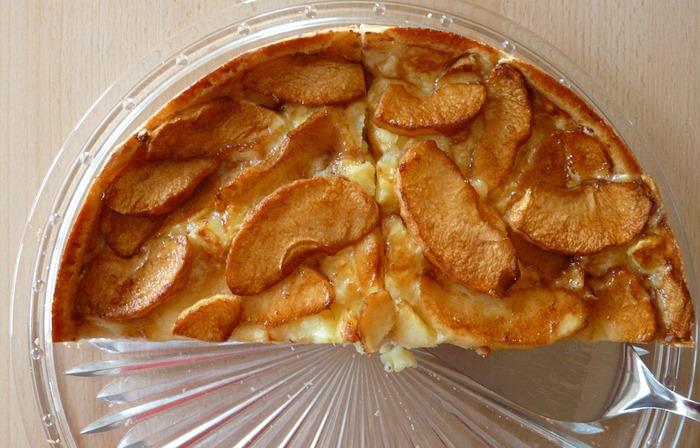 La merenda ideale per grandi e bambini: la torta di mele facilissima